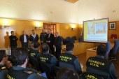 El salón de plenos del Ayuntamiento de Guadix acoge una sesión de trabajo entre Guardia Civil, Policía Local y Protección Civil de diversos municipios