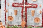 La AA.VV. Cristo de los Favores ganadora del concurso de cruces Guadix 2013  #CrucesGuadix