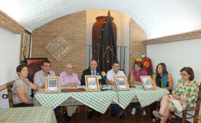 """Hermandad de la Virgen de la Piedad y restaurante """"La Tinaja"""" formalizan un acuerdo para albergar una exposición de enseres y fotografías de Cascamorras"""