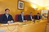 El alcalde de Guadix y el concejal de Deportes acompañan al diputado provincial de Deportes en la presentación de la programación de actividades deportivas a los técnicos de la comarca