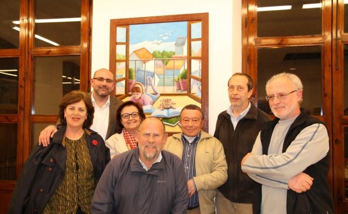 La celebración del Día Mundial de la Poesía en Guadix favorece un interesante coloquio entre los asistentes a la charla del poeta accitano Miguel Ángel Contreras