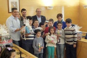 Gran participación en el acto de entrega de premios de Cruces de Mayo y Chavicos