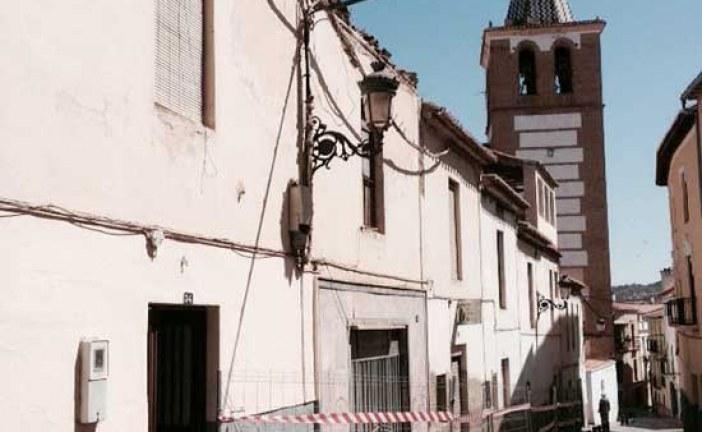 [Sucesos] El alcalde visita a las niñas accidentadas tras el derrumbe de un tejado