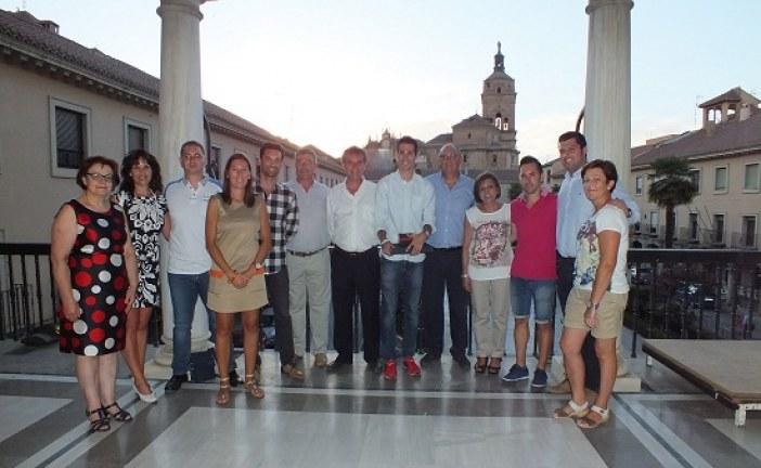 Guadix agradece al marchador Alberto Amezcua su difusión del nombre de la ciudad