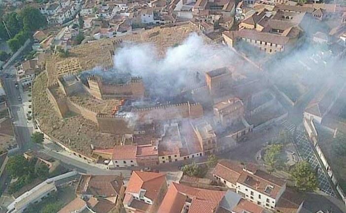 Versión oficial del incendio en la Alcazaba esta tarde [Vídeo]