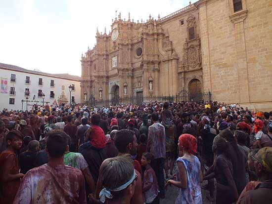 Cascamorras en la catedral