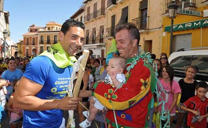 El PSOE de Guadix felicita al Cascamorras 2014 y destaca el auge de esta fiesta [Vídeos]