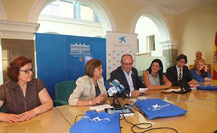 La obra social de La Caixa ayuda a los escolares de Guadix