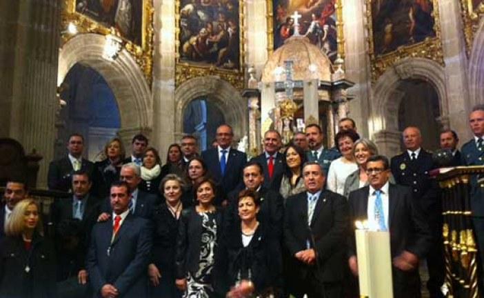 Las corporaciones de Guadix y Baza acompañan a la Virgen de las Angustias, patrona de la ciudad, en su desfile procesional [Vídeos]