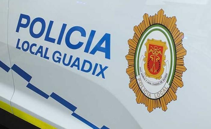La Policía Local de Guadix realiza en la última semana diversas intervenciones destinadas a evitar el absentismo escolar