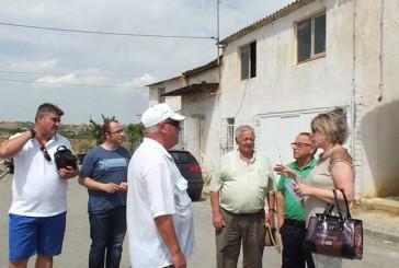 La alcaldesa de Guadix realiza su primera visita a los Barrios