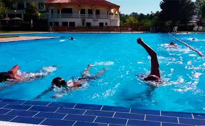 Reto a nado celebrado en las instalaciones de Acyda con deportistas accitanos