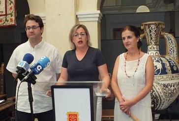 Renuncia ante el pleno de la concejala de cultura, Rosana López Raya