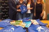 """Servicios Sociales hace llegar a los niños de familias con necesidades 100 mochilas de material escolar de Obra Social """"La Caixa"""""""