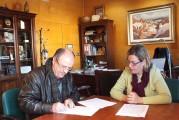 El Ayuntamiento de Guadix y Cruz Roja formalizan un convenio de colaboración para el desarrollo del proyecto de actuación con refugiados, solicitantes de asilo e inmigrantes