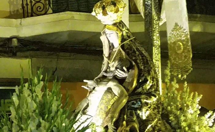 Petalá a la Virgen de las Angustias con música del coro de la Hermandad del Rocío de Guadix [Vídeo]