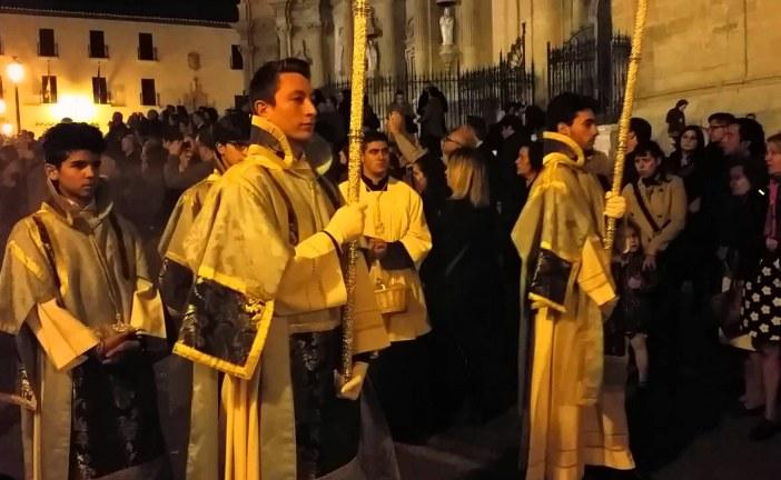 Miles de accitanos acompañan a su patrona, la Virgen de las Angustias 2015 [Vídeos]