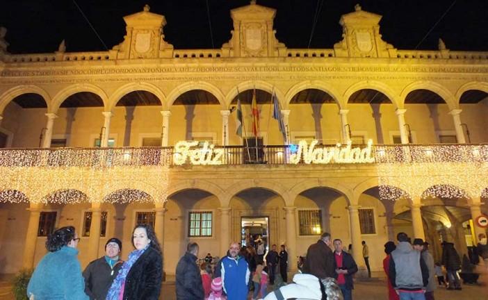 Guadix adorna la Navidad con medio centenar de propuestas culturales y de ocio que invitan a quedarse en la ciudad y a comprar en el comercio local