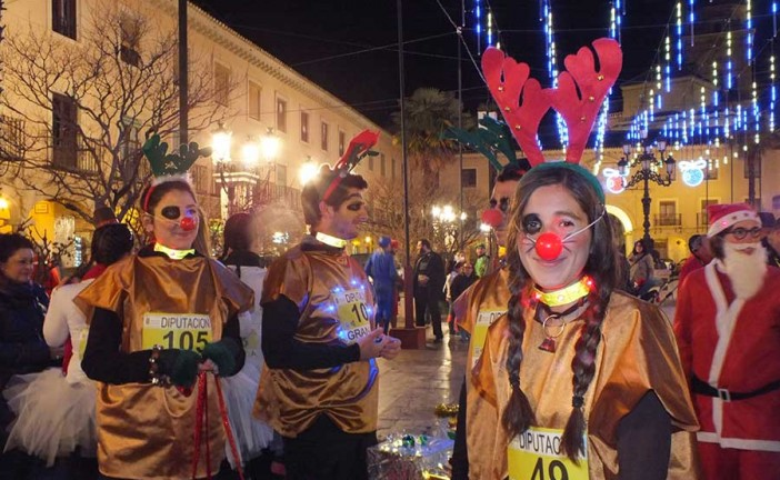 La San Silvestre de Guadix crece en participación y diversión [Vídeos]