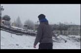 Increíble, pero cierto, snowboard en el hoyo del paseo de Guadix