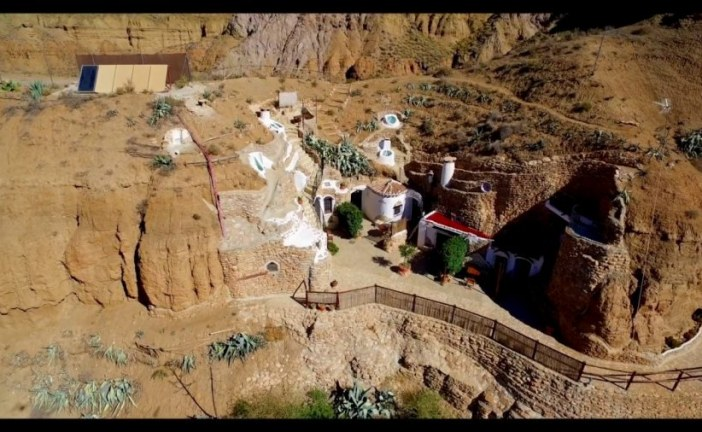Turismo en las Cuevas de la Comarca de Guadix [Espectacular vídeo promo]