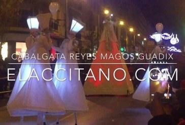 Miles de niños reciben a los Reyes Magos en Guadix [Vídeos]
