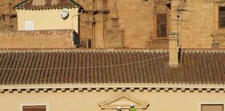 Retirada escudo franquista Guadix