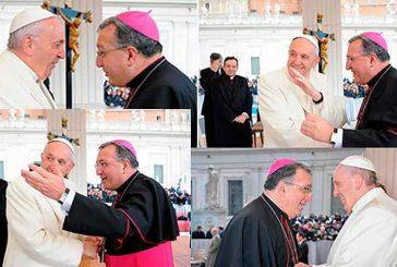 Mons. Ginés García saludó al Papa Francisco en la audiencia pasado miércoles