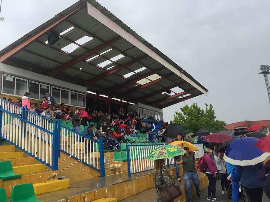 FOTO DENUNCIA: Mala imagen de Guadix ante de sus instalaciones deportivas