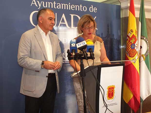 Delegado del Gobierno y alcaldesa de Guadix