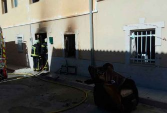 Incendio sofocado en Pedro Martínez con un herido