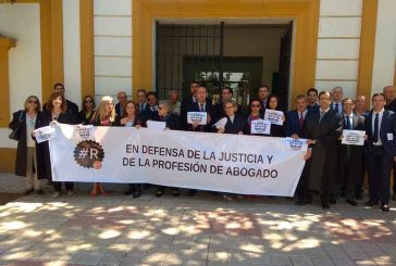 """Los abogados de Guadix se suman a la protesta nacional para """"dignificar"""" la profesión @FOROGRANADA"""