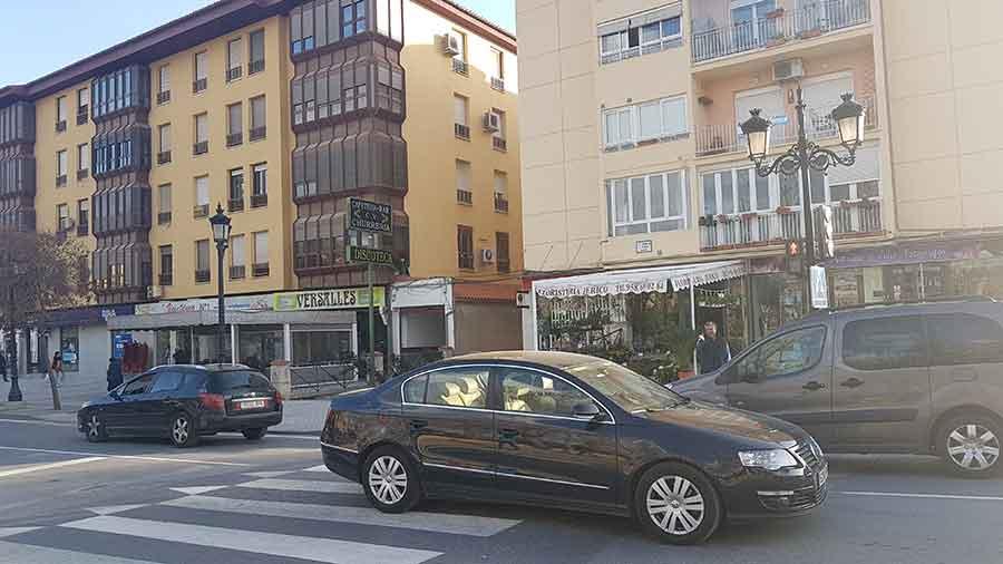 Semáforo Avenida Medina Olmos