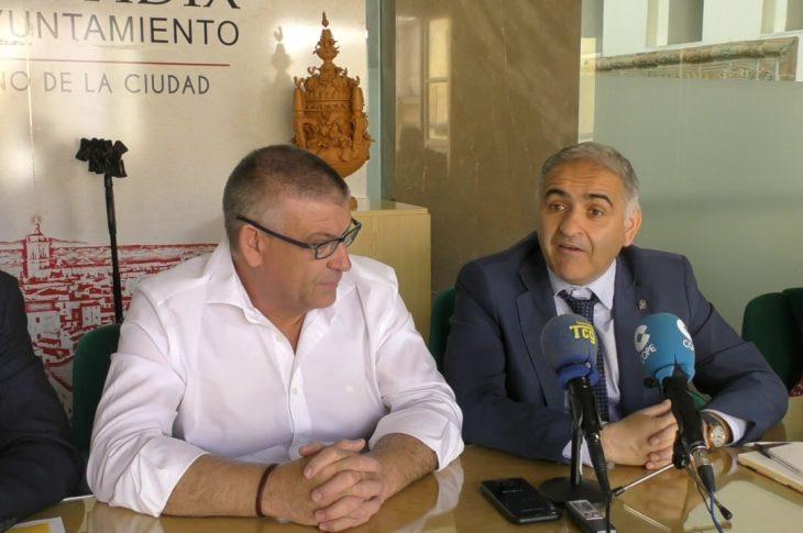 Visita institucional del delegado de Educación y Políticas Sociales a Guadix