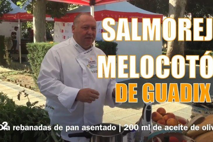 Receta de salmorejo con melocotón de Guadix