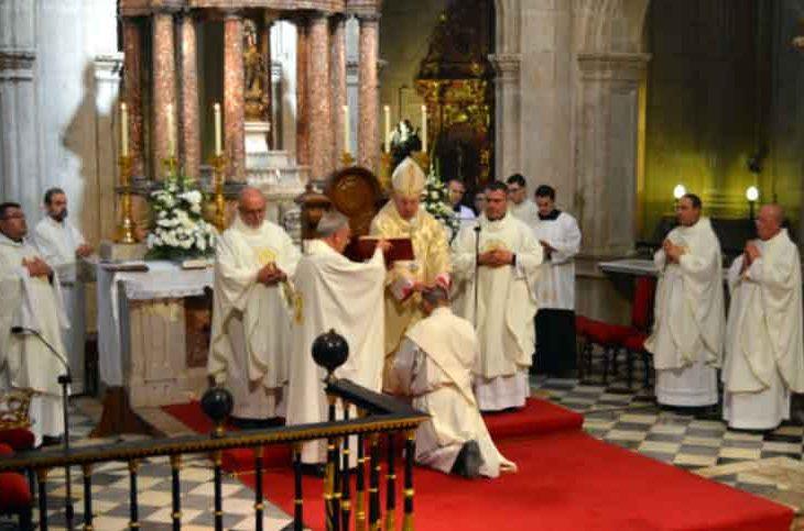 Ordenación sacerdotal en Guadix