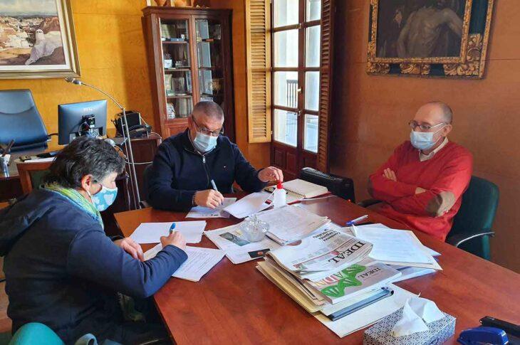 Firma convenio Ayuntamiento de Guadix