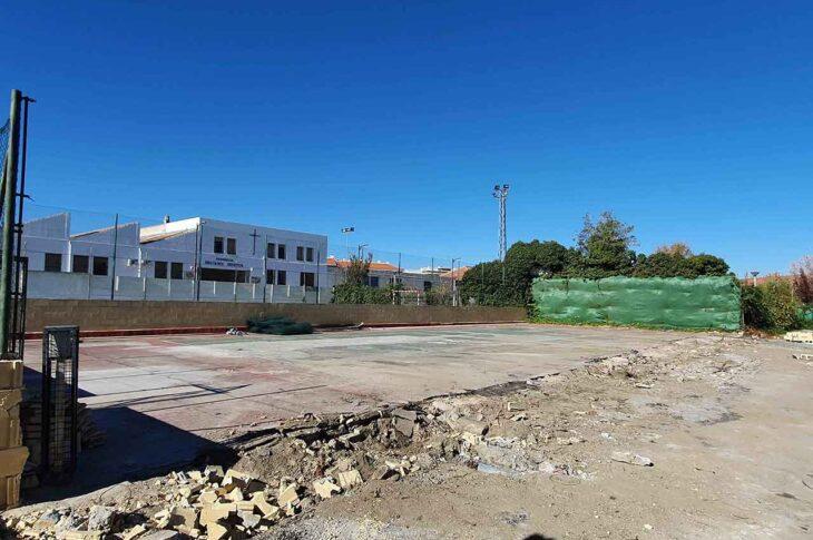 El Ayuntamiento de Guadix comienza las obras para la construcción de una nueva pista de tenis en el polideportivo municipal