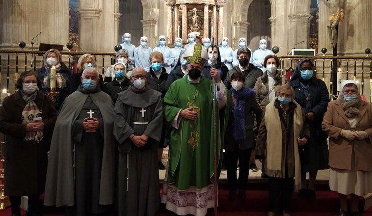 el obispo de Guadix a los religiosos en la Jornada de la Vida Consagrada
