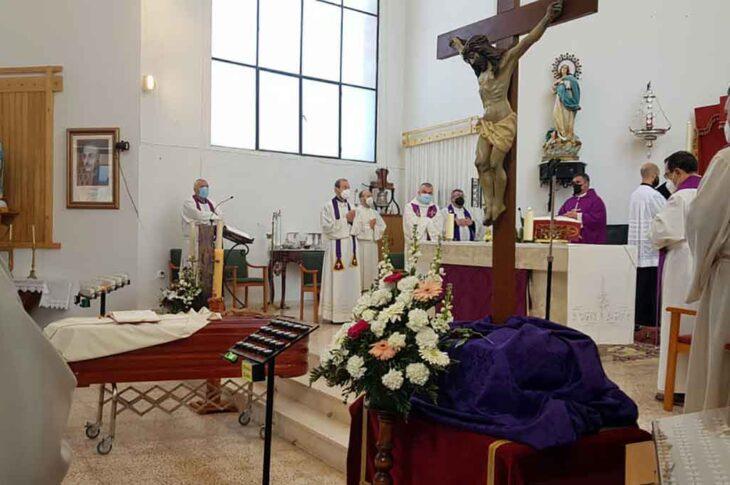 Funeral sacerdote